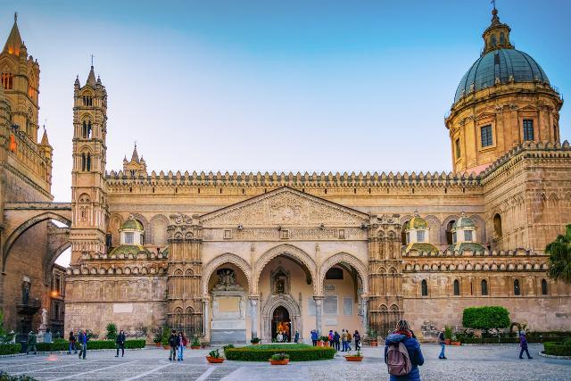 Palermo è una delle mete più gettonate dai connazionali per il break estivo...