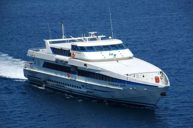 Sullo Stretto di Messina arrivano le navi Blu Jet