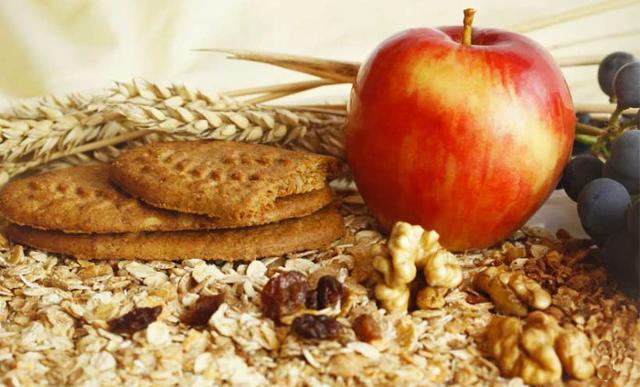 Oltre ad una corretta idratazione, un altro elemento molto importante e spesso trascurato durante le diete è il consumo di fibre...