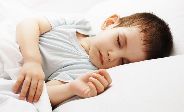 I bambini e i ragazzi che dormono poco hanno un Indice di Massa Corporea più alto rispetto a chi dorme di più...