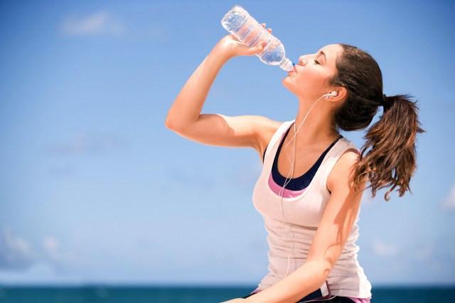 Ecco perché dimagrire è più difficile se non si beve abbastanza acqua...