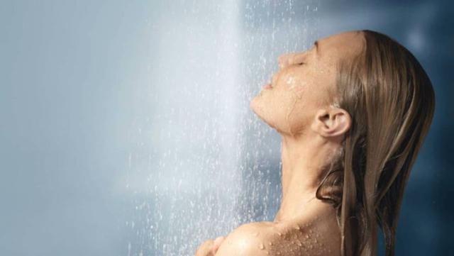 Esiste una correlazione tra benessere e doccia in acqua gelata...
