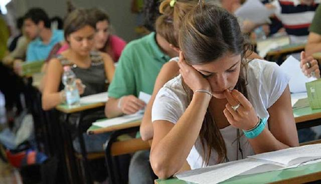 Come si informano gli studenti nella scelta del proprio corso di studi?