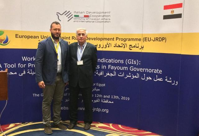 Nella foto da destra: Giuseppe Arezzo, presidente del Consorzio Olio Dop Monti Iblei, e Francesco Scollo, ricercatore, titolare dell'azienda olearia omonima e componente del cda dell'ente consortile ibleo
