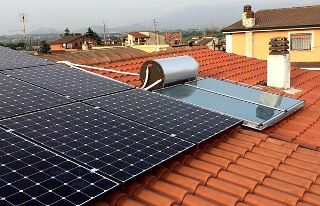 Esempio di impianto fotovoltaico e solare termico