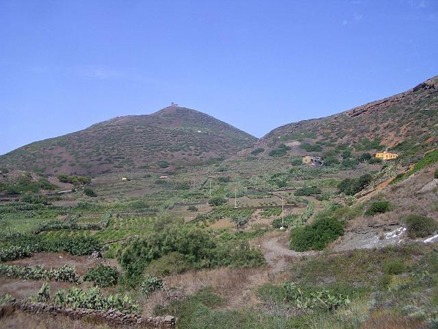 L'interno dell'Isola di Linosa - ph Laurom