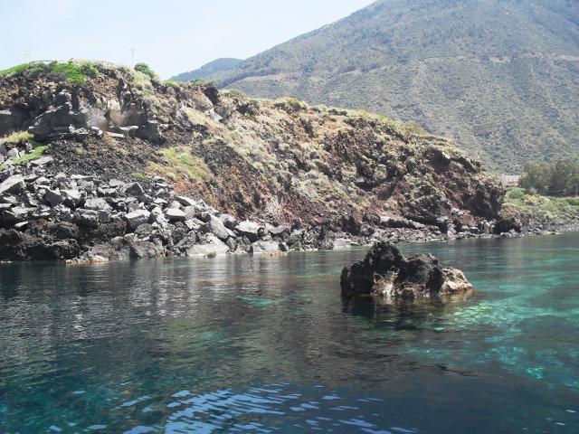 Il mare nella zona di Rinella, Salina