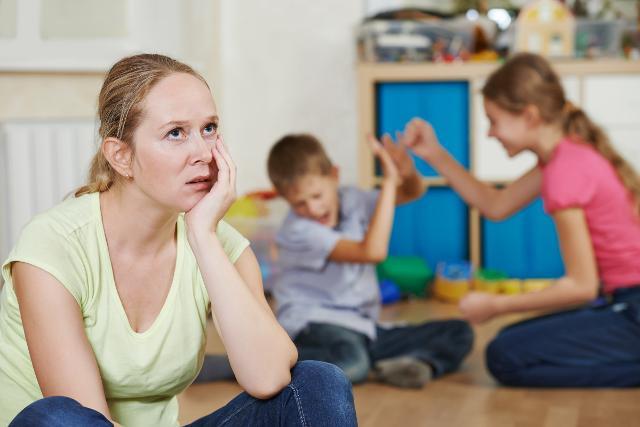 Le scuole sono finite da qualche giorno e per i genitori di tutto il mondo suona il campanellino d'allarme di come intrattenere i bambini da giugno ad agosto...