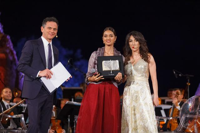 Il premio Pulitzer Jhumpa Lahiri riceve il Taobuk Award for Literary Excellence - Foto Giampiero Caminiti