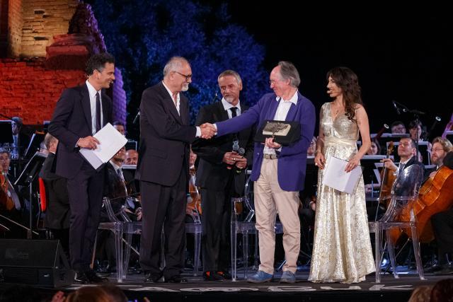 Il celebre scrittore britannico Ian McEwan riceve il Taobuk Award for Literary Excellence