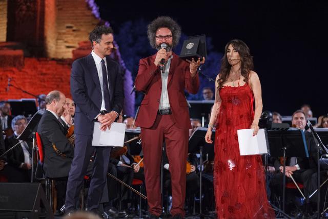 La consegna del Taobuk Award a Simone Cristicchi - Foto di Giampiero Caminiti