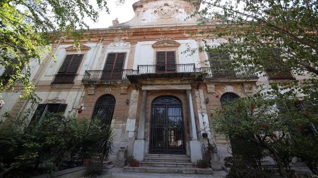La facciata di Villa Adriana, Palermo - ph leviedeitesori.com
