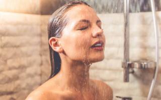 Sapevate che una doccia fredda comporta almeno 5 benefici?
