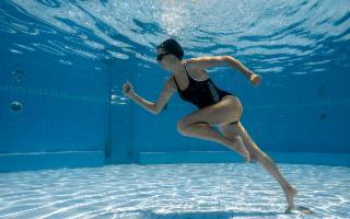 Allenarsi sott'acqua, l'ultimo trend per mantenersi in forma in estate