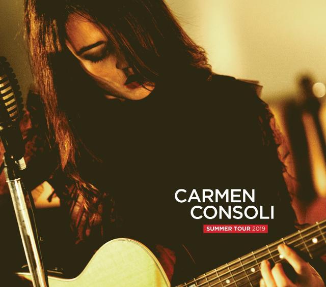 Carmen Consoli sul palco di Azzurro Food