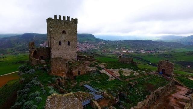 Castello di Cefalà Diana