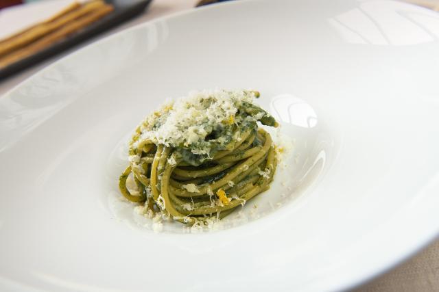 Spaghetti, borragine e ricotta salata che saranno abbinati con l'Agimbè