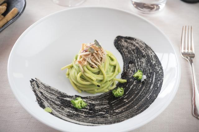 Spaghetti e broccoletti abbinati all'Alta Mora Bianco