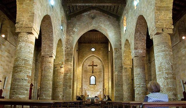 Interno della Chiesa del Vespro
