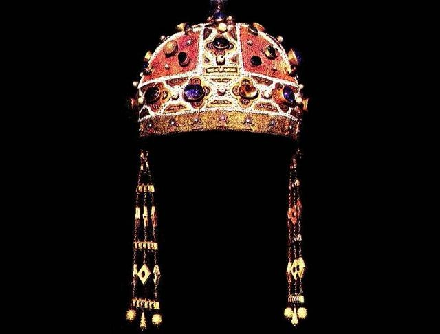 La corona di Costanza dìAltavilla