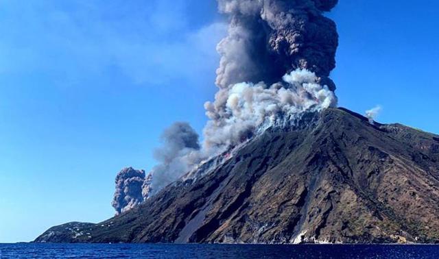 Eruzione dello Stromboli del 3 luglio 2019 - ANSA