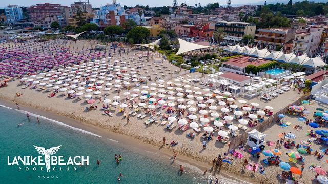 La Nike Beach Club di Giardini-Naxos
