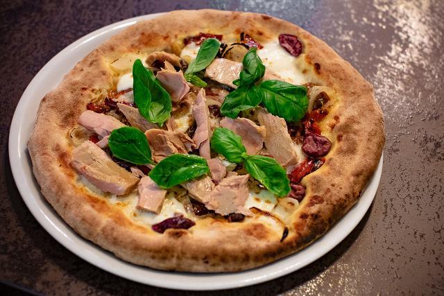 Una delle molteplici pizze della Pizzeria Frumento di Acireale