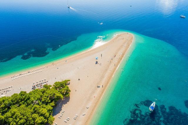 Spiaggia di Bol a Hvar, Croazia