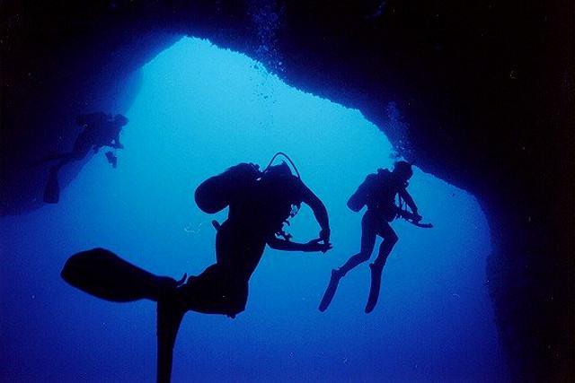 Sub dentro la galleria dell'immersione alle Terrazze
