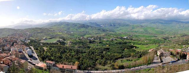Il panorama che si gode dal Palazzo municipale di Troina - ph giomodica
