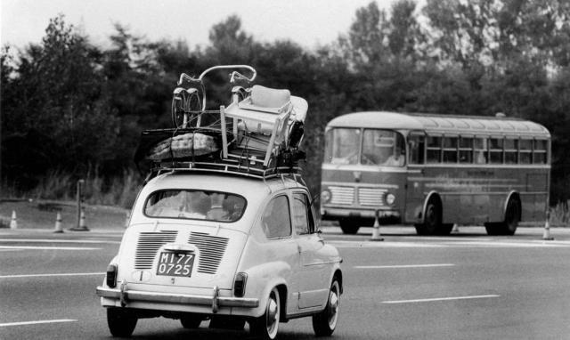 Anche se sono lontani anni luce i tempi in cui un'utilitaria - classicamente la Fiat 600 - veniva stipata all'inverosimile...