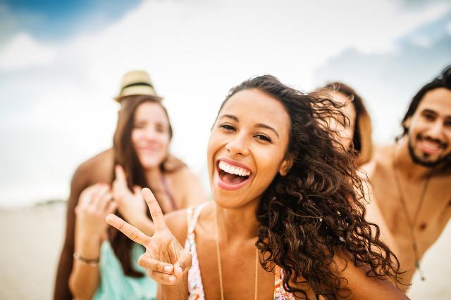 """Il 36% dei ragazzi trascorrerà le vacanze lavorando o alla ricerca di un impiego, mentre solo il 28% si prenderà """"il lusso"""" di dedicarsi al completo relax."""