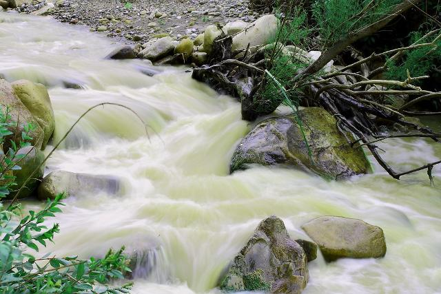 L'impeto dell'acqua nei pressi delle Gole di Tiberio - ph Maria Izzo