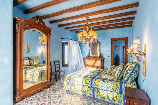 La villa a Stromboli di Dolce e Gabbana - Courtesy of Lionard Luxury Real Estate