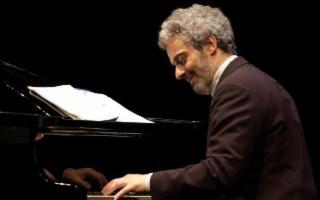 Dionisiache - Nicola Piovani in concerto con ''La musica è pericolosa''