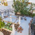 Dolce e Gabbana mettono in vendita la splendida villa di Stromboli