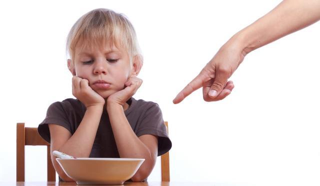 Da uno studio dell'Osservatorio nutrizionale Grana Padano emerge che il 5% dei bambini, nella fascia d'età sotto i 6 anni, non fanno colazione; percentuale che arriva al 20% per i ragazzi tra i 14 e i 17 anni, nonostante il primo pasto della giornata sia per loro fondamentale per affrontare le ore di studio della mattinata...