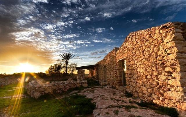 La ''Via dei Dammusi'' di Lampedusa