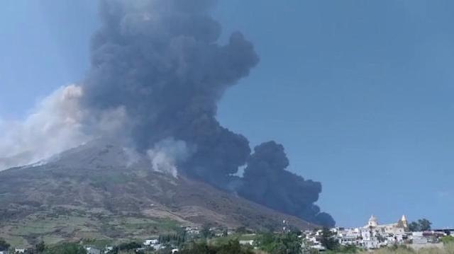 Nuova eruzione a Stromboli