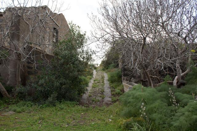 Sentiero in contrada Gazzena, la Timpa di Acireale
