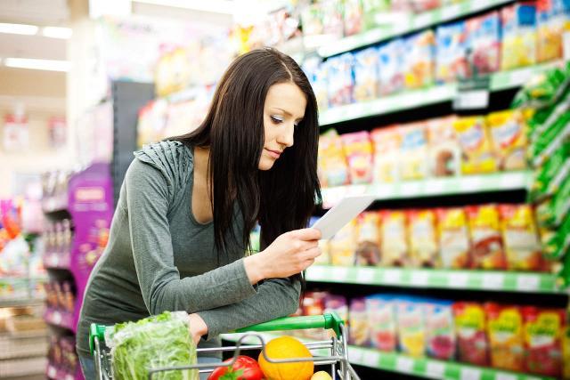 I più giovani sembrano avere una predisposizione al risparmio e un modo diverso di fare la spesa, più frequente e finalizzato a ridurre al minimo gli sprechi