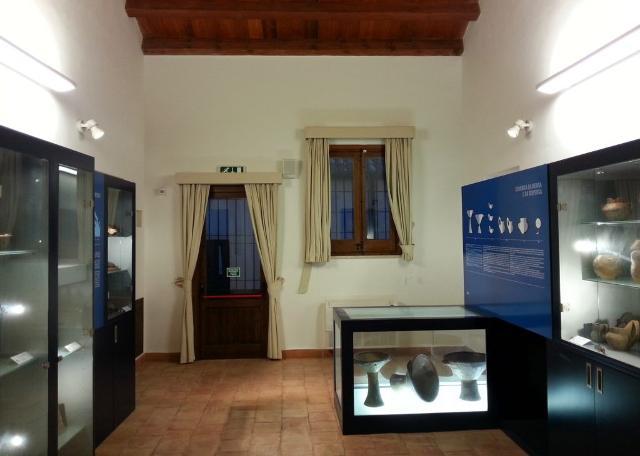 Una delle sale del Museo Archeologico di Ustica