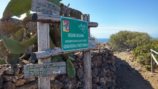 Ustica, Sentiero del Mezzogiorno