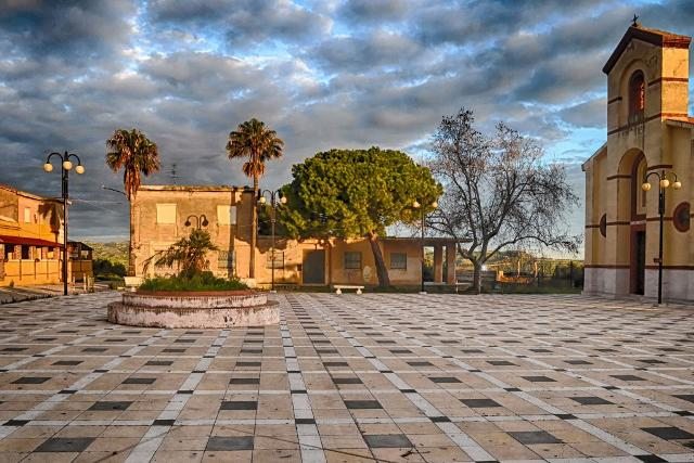 Borgo Bonsignore, la caserma - ph wwwvoxhumana.blogspot.com