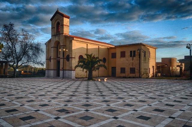 Borgo Bonsignore, Chiesa di San Pietro - ph. wwwvoxhumana.blogspot.com