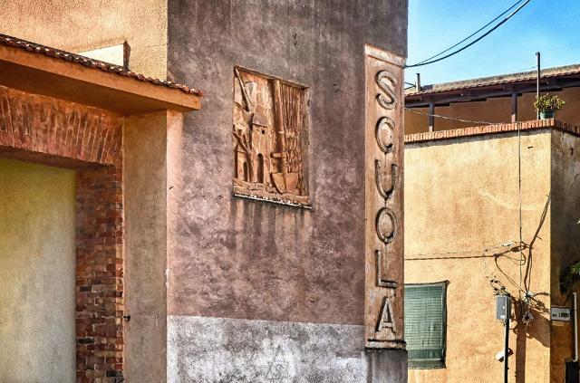Borgo Bonsignore, la scuola - ph. wwwvoxhumana.blogspot.com
