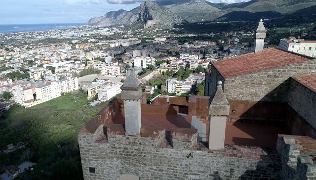 Panorama dal castello di Carini