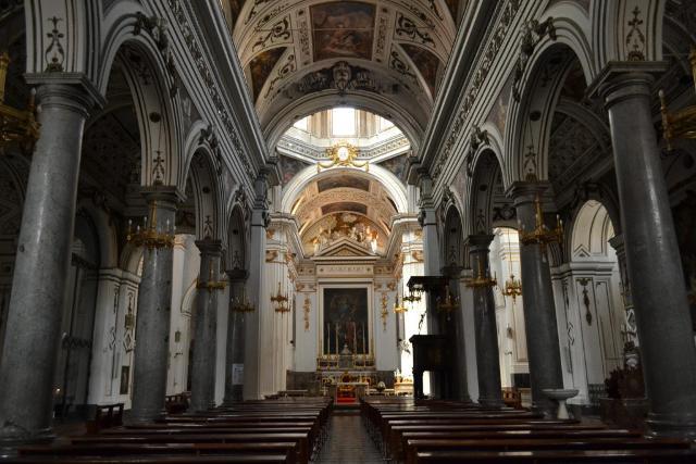 La navata centrale della Chiesa Madre di Carini