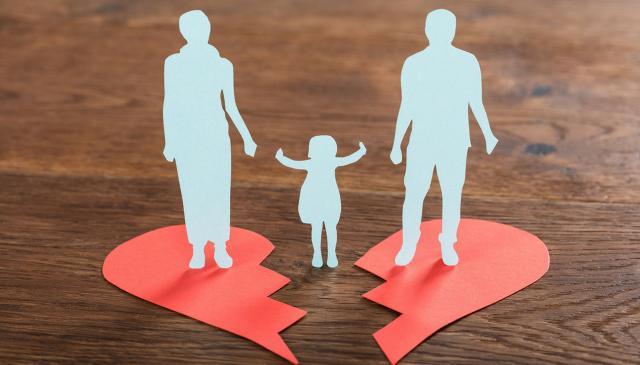 4. È facile per uno dei coniugi ottenere l'affidamento esclusivo dei figli