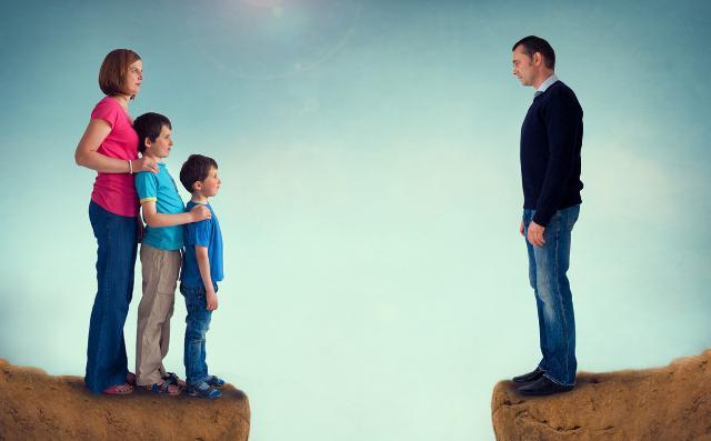 5. In seguito a separazione e/o divorzio i padri hanno un diritto di tenere con sé i figli più limitato rispetto alle madri e a queste ultime viene sempre assegnata la casa coniugale